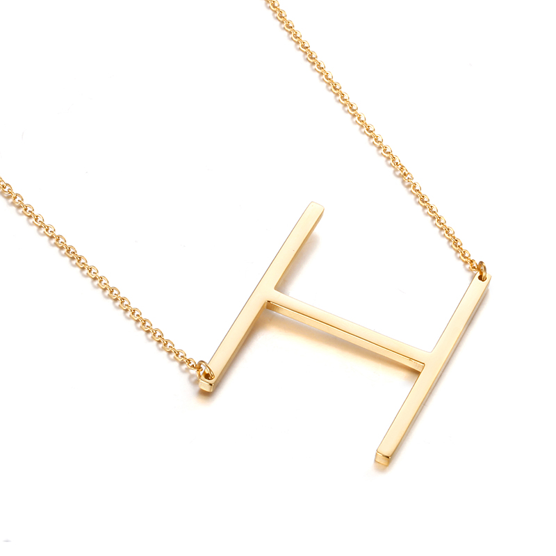 Дамы качество золото Цепочки и ожерелья Простой 26 букв Цепочки и ожерелья изысканный Нержавеющаясталь с вакуума золота никогда не увядает...