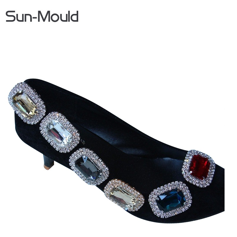 NEW shoes flower charms bridal high-heel pumps accessories crystal diamond shoe clips Fashion wedding decoration buckle 1pair fashion rhinestone super high heel bridal dress shoes white flower pearl crystal wedding shoes round toe wedding ceremony pumps