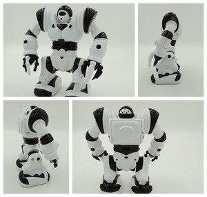 Image 3 - ขนาดใหญ่เด็กซูเปอร์ฮีโร่หุ่นยนต์เดินหุ่นยนต์ไฟฟ้าด้วย Light เพลงของเล่นดนตรีเด็กทารกผู้ใหญ่ Action Figures