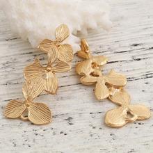 Doreen Box złącza ze stopu cynku kwiat matowy złoty kolor biżuteria akcesoria ustalenia 37mm(1 4 8 #8222 ) x 16mm( 5 8 #8221 ) 5 szt tanie tanio CN (pochodzenie) 3 3cm Flower linki do biżuterii Metal B0120914