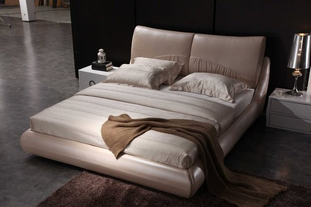 8103  modern leather double bed with crystal