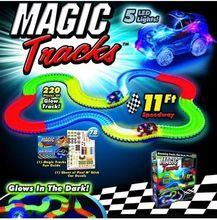 2017 nueva Magia pistas autovía eléctrico niños coche de juguete DIY montado traje TV niños regalos de Navidad