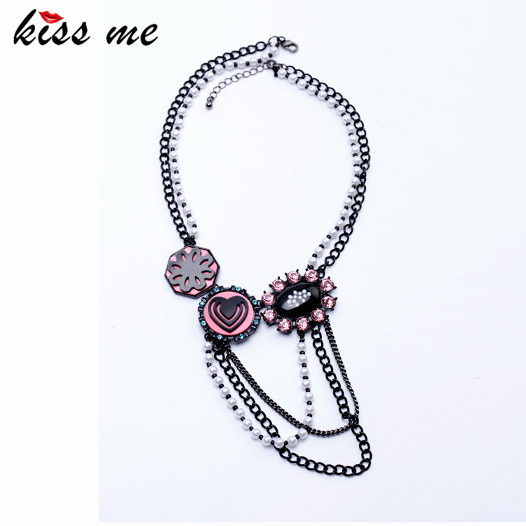 Women Novelty Guns Black Pated Heart Oval Flower Pendants Simulated Pearls Chain Tassel Necklace Factory Wholesale