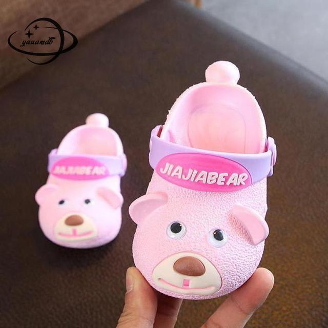 YAUAMDB ילדים פרדות 2018 קיץ EVA בני בנות שטוח סנדלי קריקטורה כלב לנשימה תינוק חלול פעוט ילדי נעליים y14