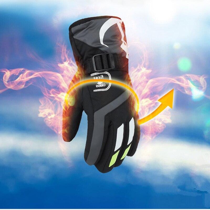 Prix pour 2017 NOUVEAU 4 Couleurs Hommes D'hiver Ski Gants Hommes Randonnées En Plein Air Gants Moto D'équitation Imperméable Coupe-Vent Thermique Gants de Ski