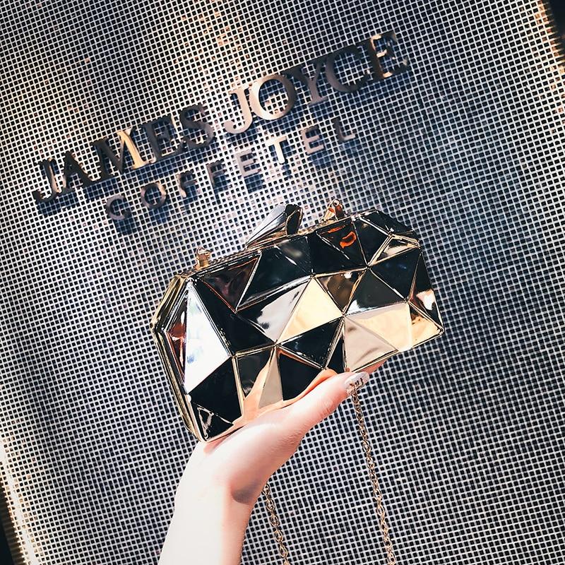 Luxurious Women Clutch Bags Metal Diamonds Chain Shoulder Evening Bags Lady Dress Wedding Dinner Party Handbags
