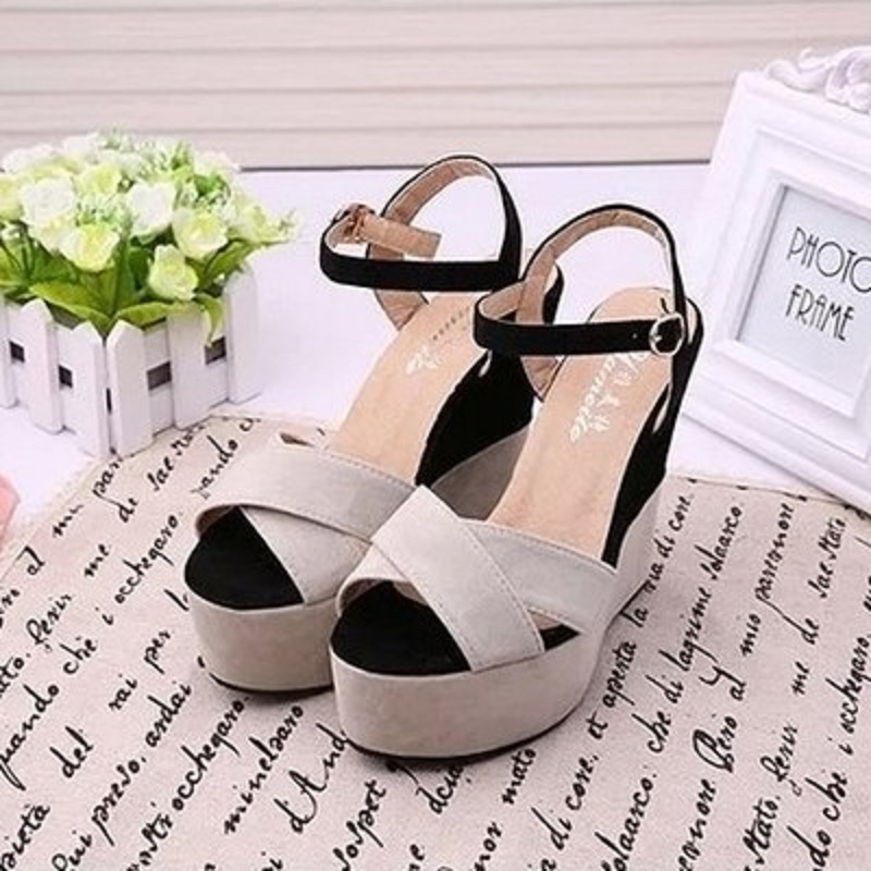 2018 summer fashion new platform sandals cross open toe wedge with color Roman high heels. 12