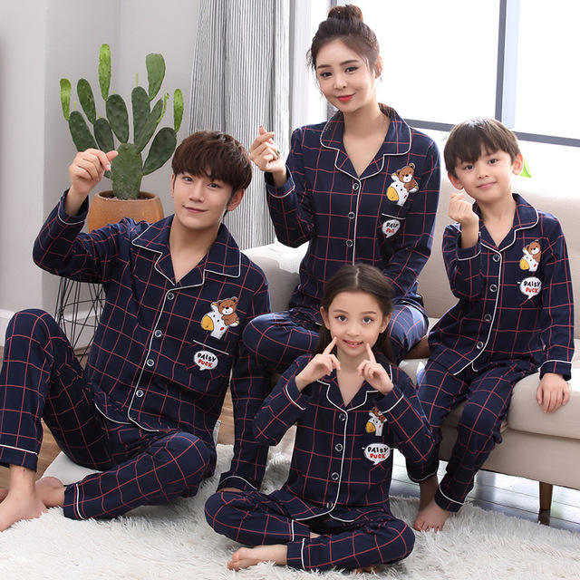 317cd3460c0c Family Matching Christmas Pajamas Sets Clothes Mama Bear Baby Bear Pyjamas  Winter Cotton Mother Daughter Pajamas Sleepwear Suit