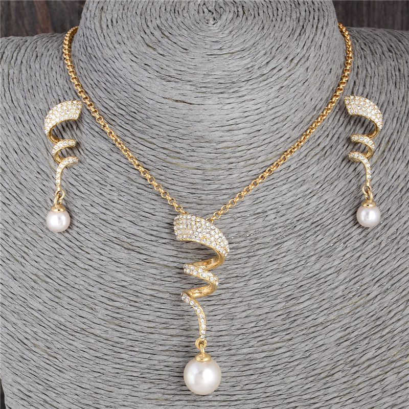 Classic Imitation Pearl necklace Gold Color jewelry set for women Clear Crystal Elegant Party Fashion Costume Christmas Gift
