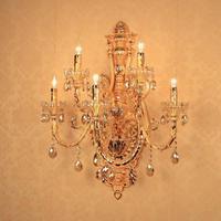 Coreano Japão estilo aranha ouro luminárias de parede Lobby Do Hotel 5-cabeça grande Lâmpada de Parede de cristal de Ouro Sala de estar Levou vela lâmpada de Parede arandela