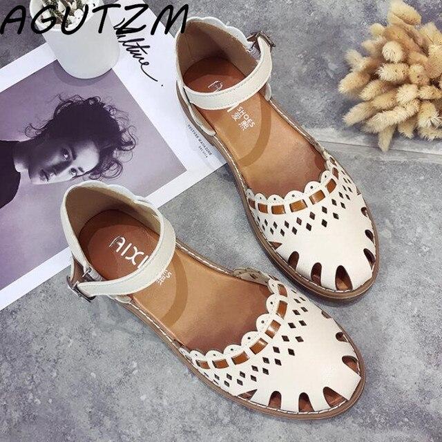 2018 новый небольшой свежий плоские сандалии женская летняя обувь на низком каблуке с пряжкой слово обувь с круглым носком обувь для учащихся Гладиатор Размер 35–40