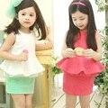 2016 Impressão Verão Roupas Da Menina Da Criança Das Crianças do Sexo Feminino Sem Mangas T-Shirt Saia Curta Set Twinset Branco Vermelho Rosa