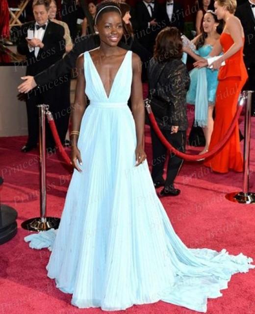 Envío gratis una línea V profundo cuello V volver Lupita Nyong'o Light azul Celebrity Dress Vintage Oscars Red Carpet vestidos de fiesta