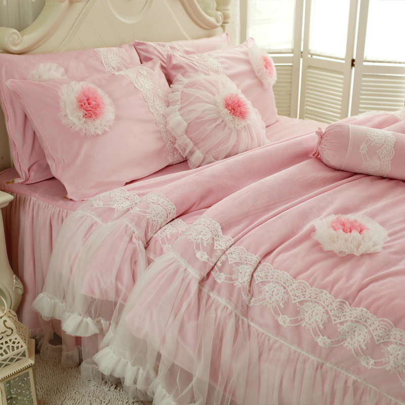 Textiles Luxury Lace Rose Butterfly Princess Bedding Set 4pcs Duvet Cover Set King Wedding Bedclothes Bed Linen Skirt PillowTextiles Luxury Lace Rose Butterfly Princess Bedding Set 4pcs Duvet Cover Set King Wedding Bedclothes Bed Linen Skirt Pillow