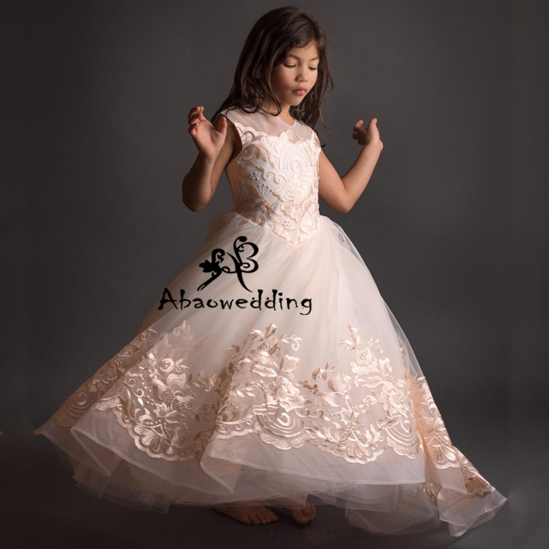 New Arrival Lovely Girls Lace Appliques Cap Sleeve Ball Gowns Elagant Wedding Flower Girls First Communion