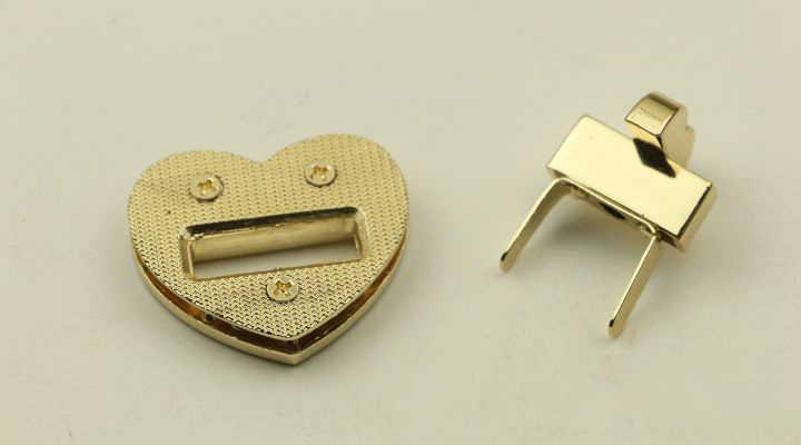 37x35 مللي متر القلب حقيبة يد حقيبة أقفال Buckles موضة تويست بدوره قفل DIY بها بنفسك استبدال أكياس محفظة يستقر المشبك إغلاق الملحقات