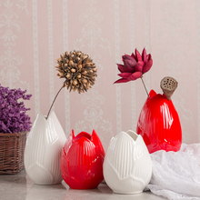 цена на Ceramic Lotus vase red white Ceramic vases Tabletop porcelain flower vase wedding home decoration accessories modern