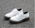 Горячие Продажи Резной Зашнуровать Оксфорд Обувь Для Женщин Мода круглый Toe Англия Стиль Женщины Оксфорды Дамы Случайные Плоские Акцентом обувь