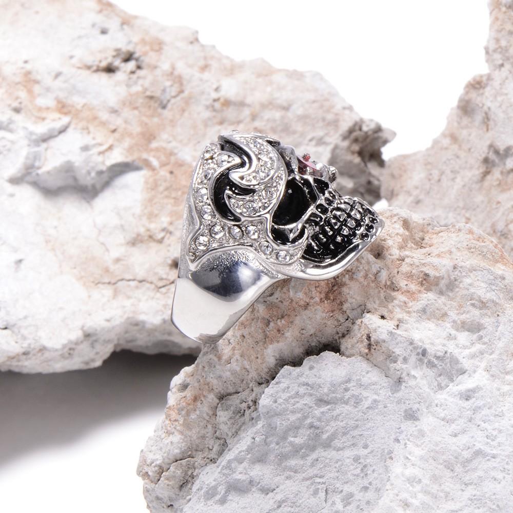 HTB1ezOeKXXXXXcOXVXXq6xXFXXXT - Skull Shaped Pirate Inspired Ring with Crystals