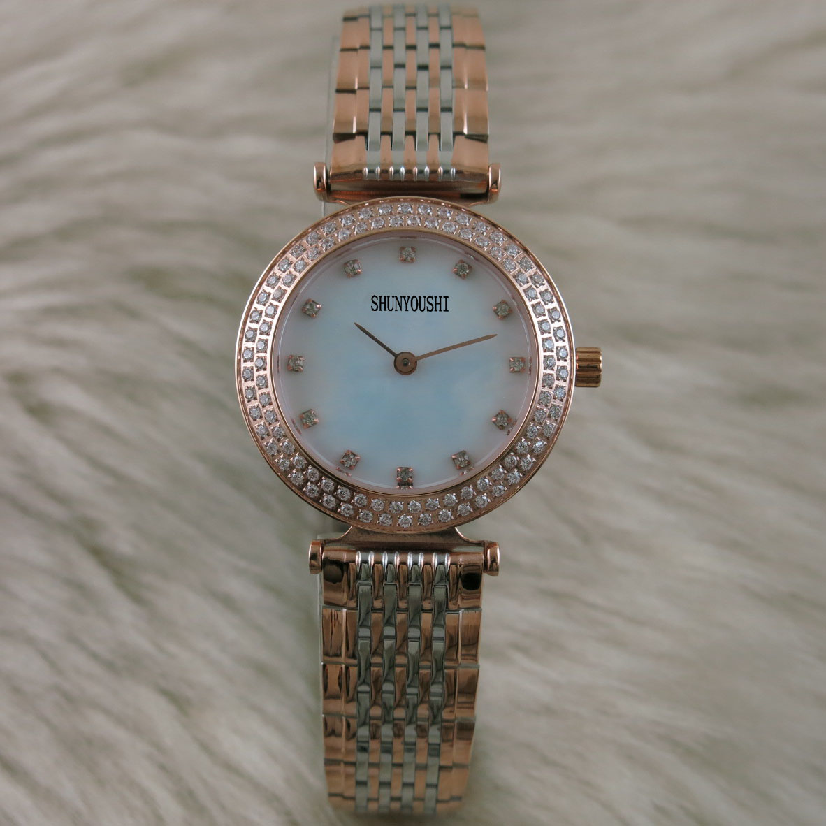 A05166   Womens Watches Top Brand Runway Luxury European Design  Quartz WristwatchesA05166   Womens Watches Top Brand Runway Luxury European Design  Quartz Wristwatches