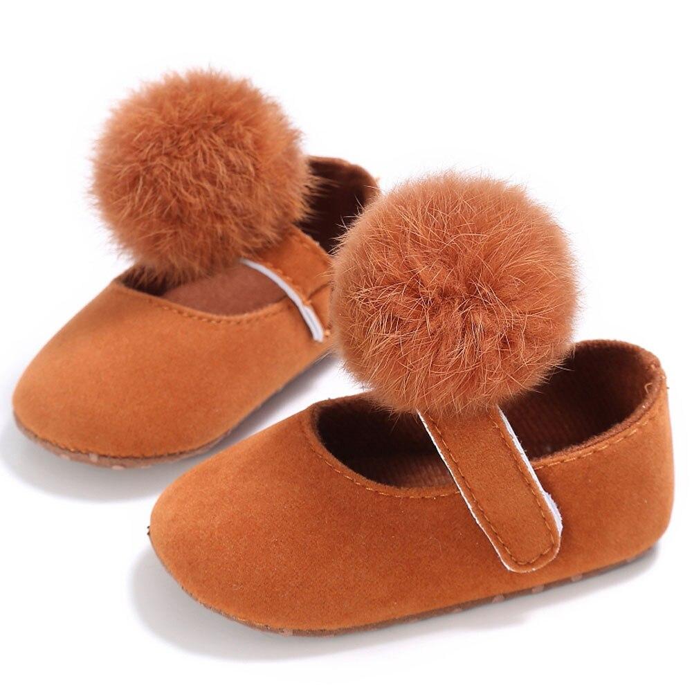 Для малышей Обувь для девочек кроватки Мех животных мяч принцессы Повседневное новорожденных Для маленьких мальчиков первых шагов подошва против скольжения для 0- 18 м младенцев bttf - Цвет: B