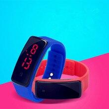 2017 Nouvelle Mode Écran Tactile LED Bracelet Numérique Montres Pour Hommes et Dames et Enfant Horloge Femmes Montre-Bracelet Sport montre-bracelet Saat