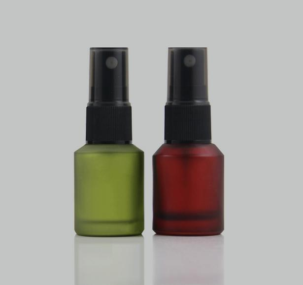 free shipping 15ml lucifugal glass spray bottle,fine mist cosmetic/perfume  packaging bottle ( red green ) black nozzle totem 15 2016 green black