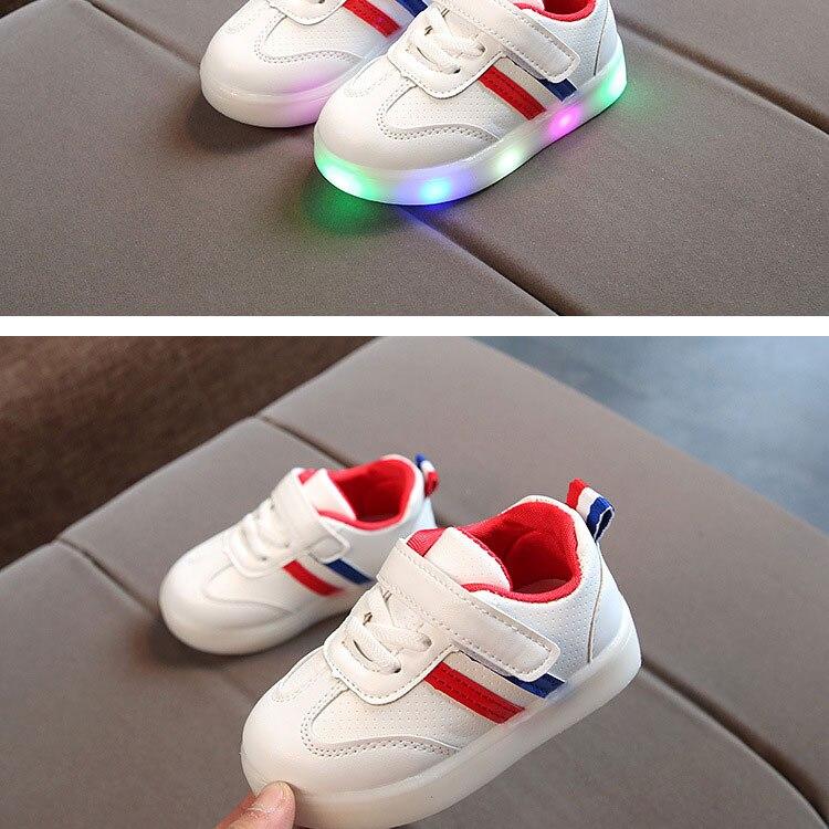 children-glowing-sneakers-1_02