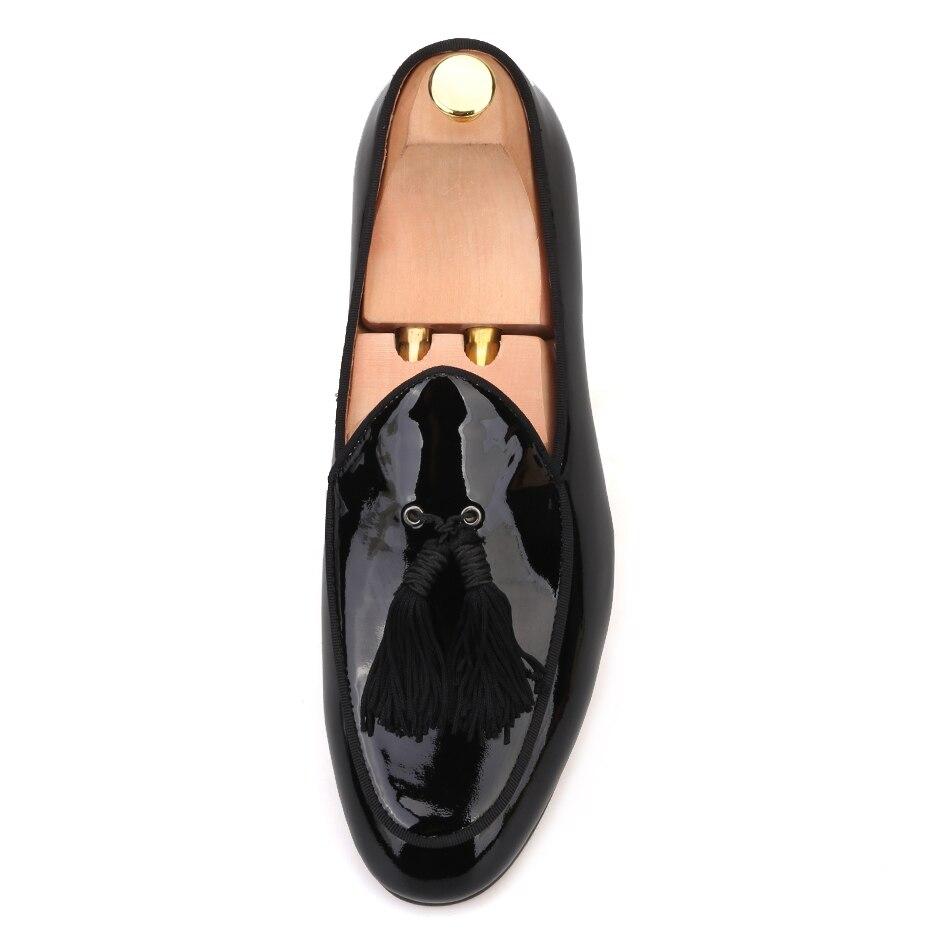 Piergitar 2018 nowościach mężczyźni skórzane palenia kapcie z czarny duży tassel party i wesele mężczyzn mokasyny męskie do sukni buty w Męskie nieformalne buty od Buty na  Grupa 3
