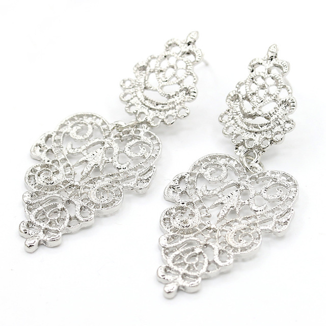 Vintage Hollow Leaves Drop Earrings 5
