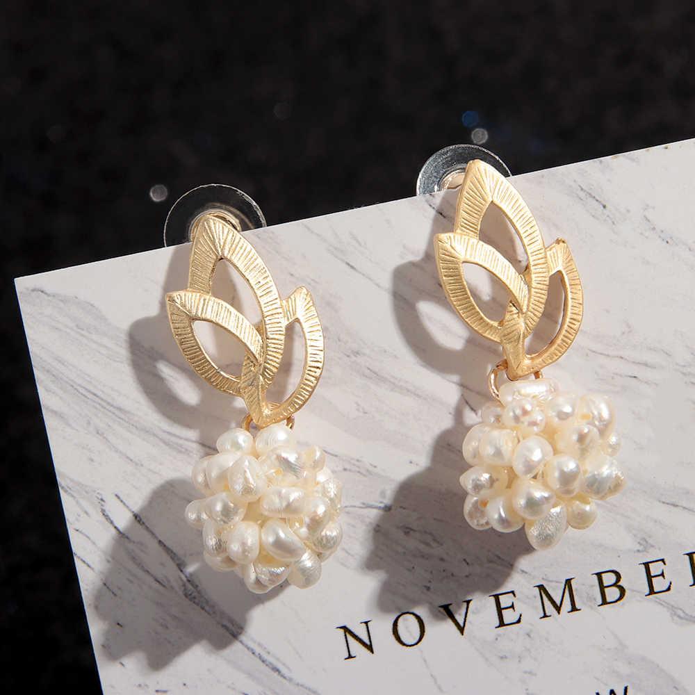 1 para 2019 nowy barokowy matowy drążą metalowe złoto naturalna perła słodkowodna piłka długie kolczyki wiszące urok biżuteria dla kobiet