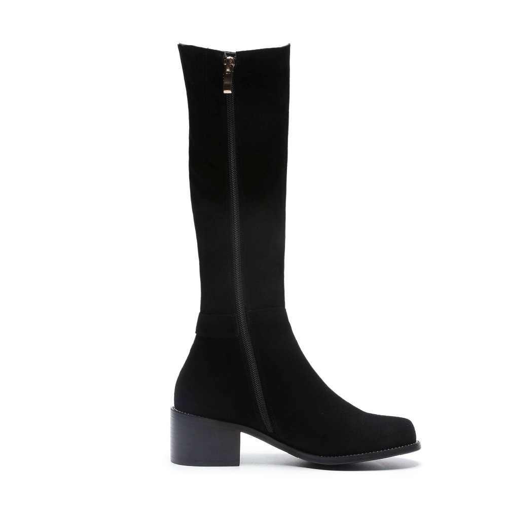 2018 Новое поступление из коровьей замши сапоги на каблуке средней высоты с круглым носком на не сужающемся книзу массивном каблуке на молнии Застежка, с заклепками, большие размеры, зимние теплые сапоги до колена L52