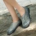 2017 Summer Women Shoes Flat Platform Sandals Genuine Leather Handmade Peacock Pattern Round Toes Comfotable Women Fashion Shoes