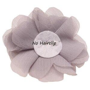 Image 3 - 100 pcs 세련 된시 폰 봉 제 꽃 부티크 머리 꽃 라인 석 진주 센터 귀여운 머리 꽃 6 cm 머리 클립 없음