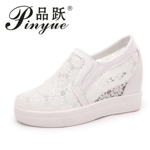 New Women Casual Shoes Pumps Wedge Heel Round Toe Slip On Shoes For Woman Lace Flower Lady Shoes Size 35--39