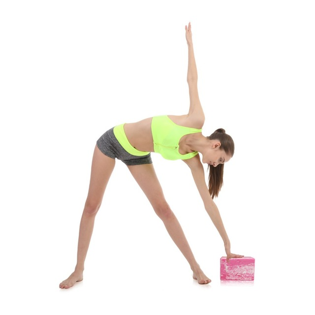 Bloque antideslizante de yoga modelado con correa