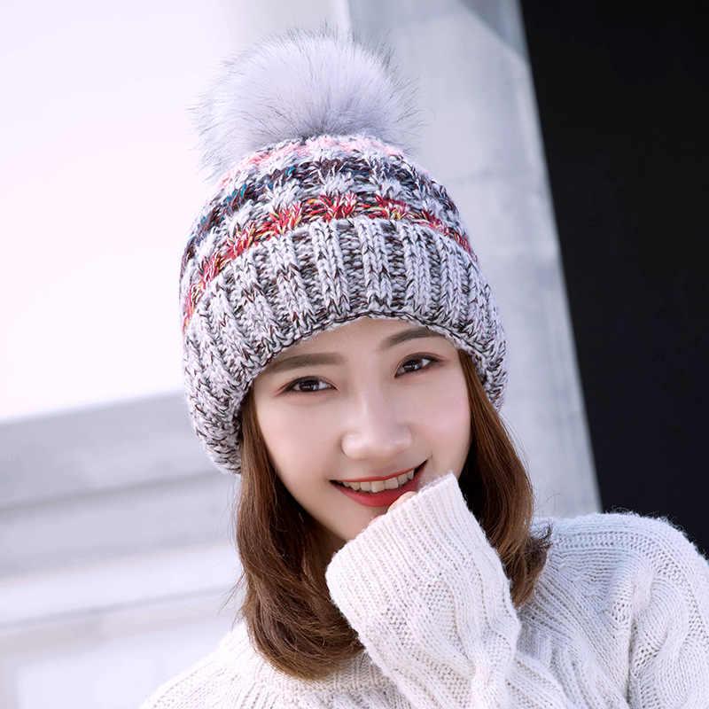 Kadın örgü bere şapka ve eşarp Hairball Pom Pom Şapka Kadın Kalın Şapka 2 adet Kış sıcak Sevimli Kız Moda Kap Yaka Takım Elbise