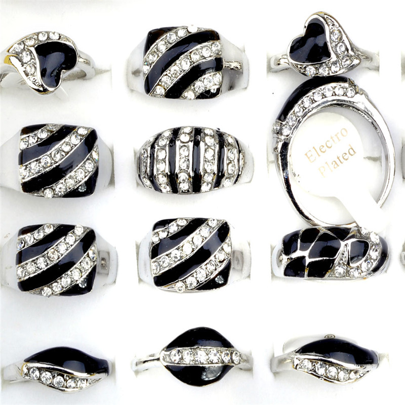 20pcs/bag Mix Styles Enamel Crystal Rhinestone Rings Black White Color Rings Men/Women Silver Plated Rings