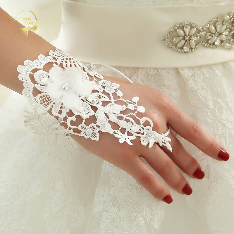 White Lace Bridal Gloves Flowers Beaded Fingerless Wrist Little Short Womens Gloves For Weddings Party Bride Accessories Cheap