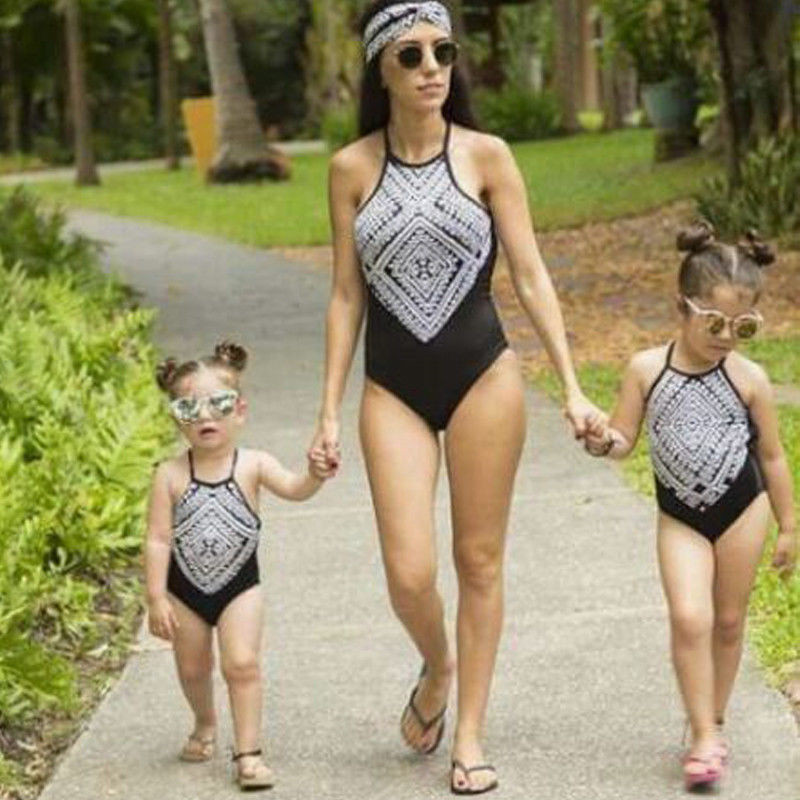 Mother And Daughter Bikinis 2018 Parent-child Bikini High Neck One-piece Swimwear Mom Kids Halter Swimsuit Family Look Monokini