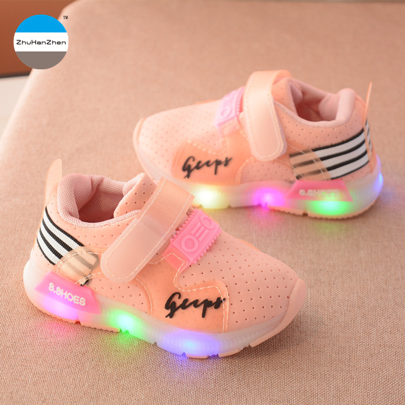 2018 High quality glowing kids sneakers 1 to 5 years old baby boy and girl breathable shoes LED light up children casual shoes