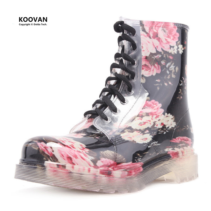 ФОТО Koovan Women Rain Boots 2017 New Factory Direct Flower Crystal Martin Rainboots Fashion Shoes Lace Up Women's Water Shoes