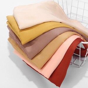 Image 4 - Foulard en Satin lisse, couleur mate, châle musulman, couleur unie, Hijab en Satin, écharpe musulmane, 32 couleurs au choix, 2020