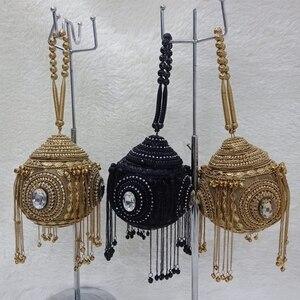Image 2 - DOYUTIG luxe femmes fait à la main perlée pochettes Vintage cristal perlée sac à bandoulière pour dame sacs de mariage sac de soirée F669