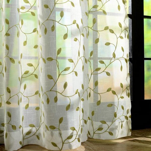 Qëndisja lë perde të pasura me tyl për dhomën e ndenjes Shfaqja e dritareve për dritare të dhomës së ndenjes