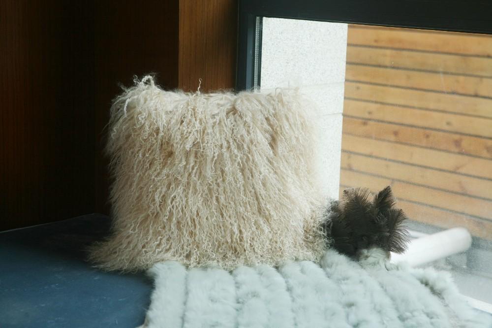 sheep skin back cushion pillow11