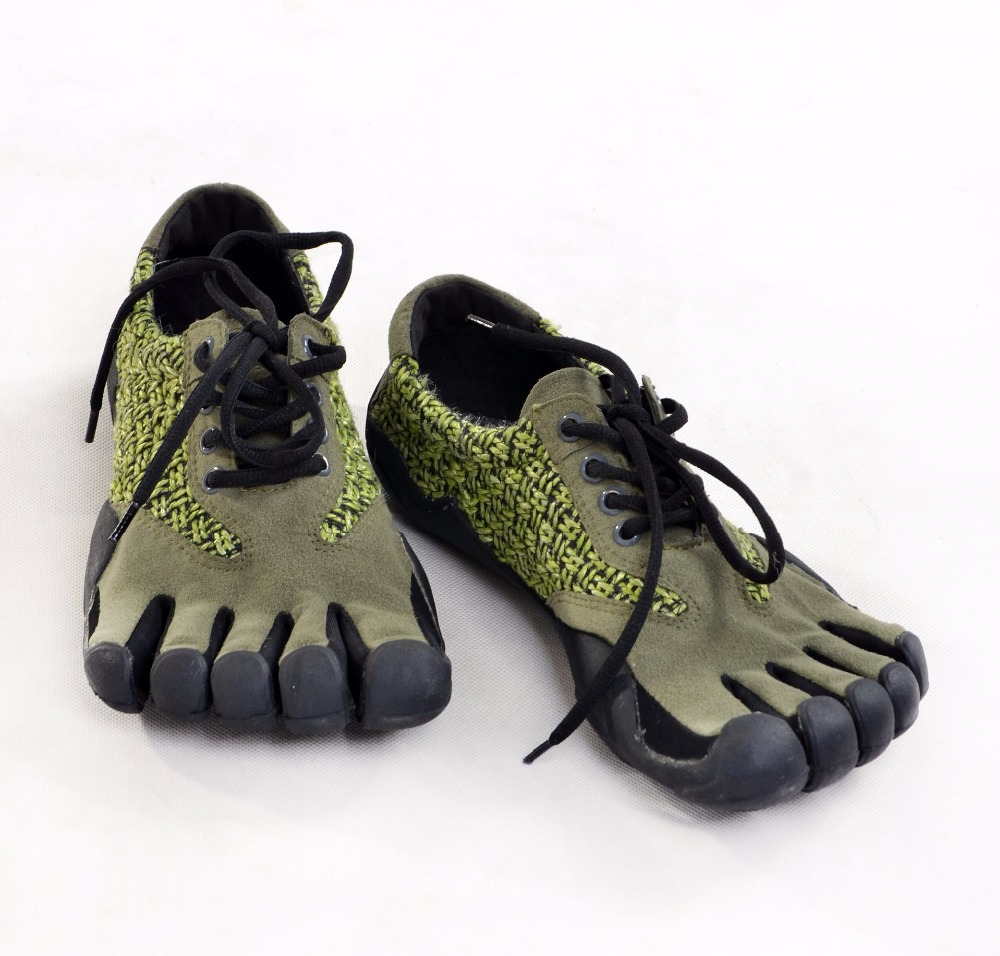Outdoor men's Five fingers shoes running shoes Breathable quick drying lightweight 5 toes shoes plus size sneakers 44 45