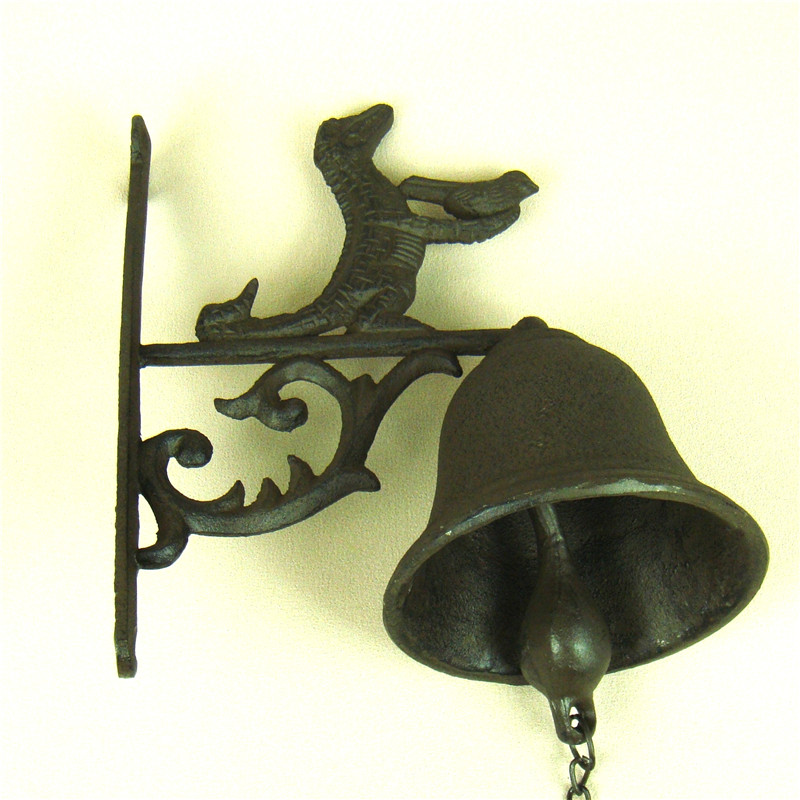 Cast Iron Crocodile Model Doorbell Handmade Metal Alligator Jingle Bell Ironwork Decoration Gift and Craft Adornment Accessories