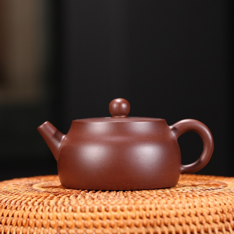 Recommended crafts Wang Fangquan handmade yixing undressed ore purple clay zhu essay card GaiHu teapot image