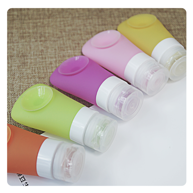 40 ML Mini Cute Portable  Silica Gel Empty Shampoo Bottle With Sucker For Traveler infant silica gel feeding bottle with spoon food supplement rice cereal bottle